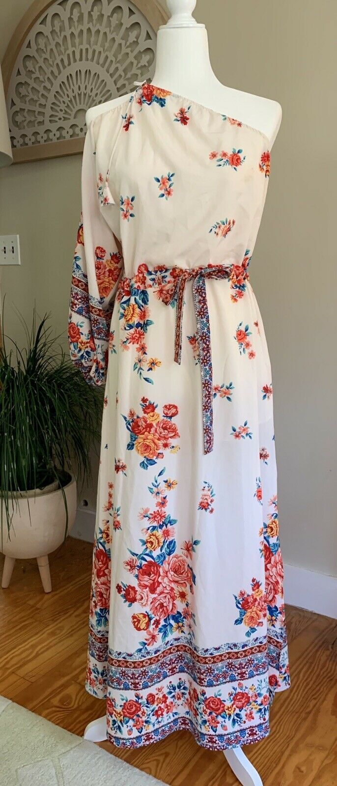Catalina Dress in Floral MISA Los Angeles Sz S - image 4