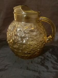 Vintage-Retro-Round-Amber-Gold-Bubble-Heavy-Glass-Tea-Drink-Pitcher-8-1-2-034-Tall