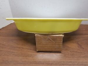 Vintage Pyrex Yellow Oven Divided Baking Casserole Vegetable Dish 1 1/2 Quart