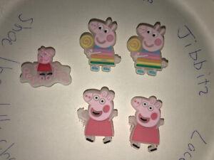 Glow-In-Dark-Peppa-Pig-Lot-Of-5-Crocs-Shoe-Bracelet-Lace-Adapter-Charms-Jibbitz