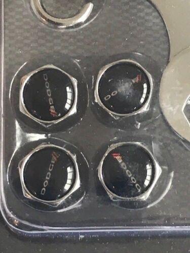Válvula De Neumático Rueda de Automóvil Dodge escritura Polvo Tapas con llave en una nueva cubiertas de manipulación