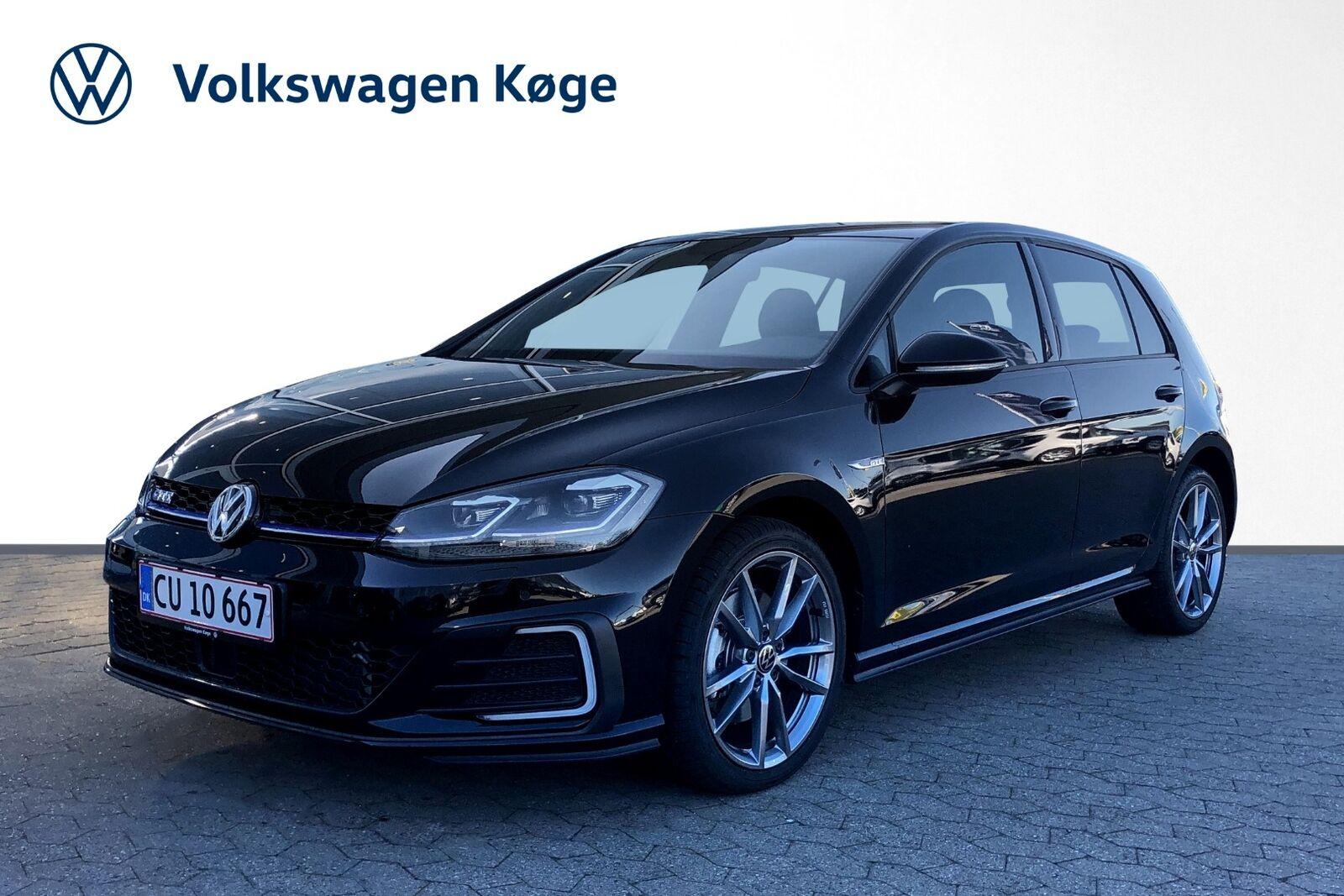 VW Golf VII 1,4 GTE DSG 5d - 334.900 kr.