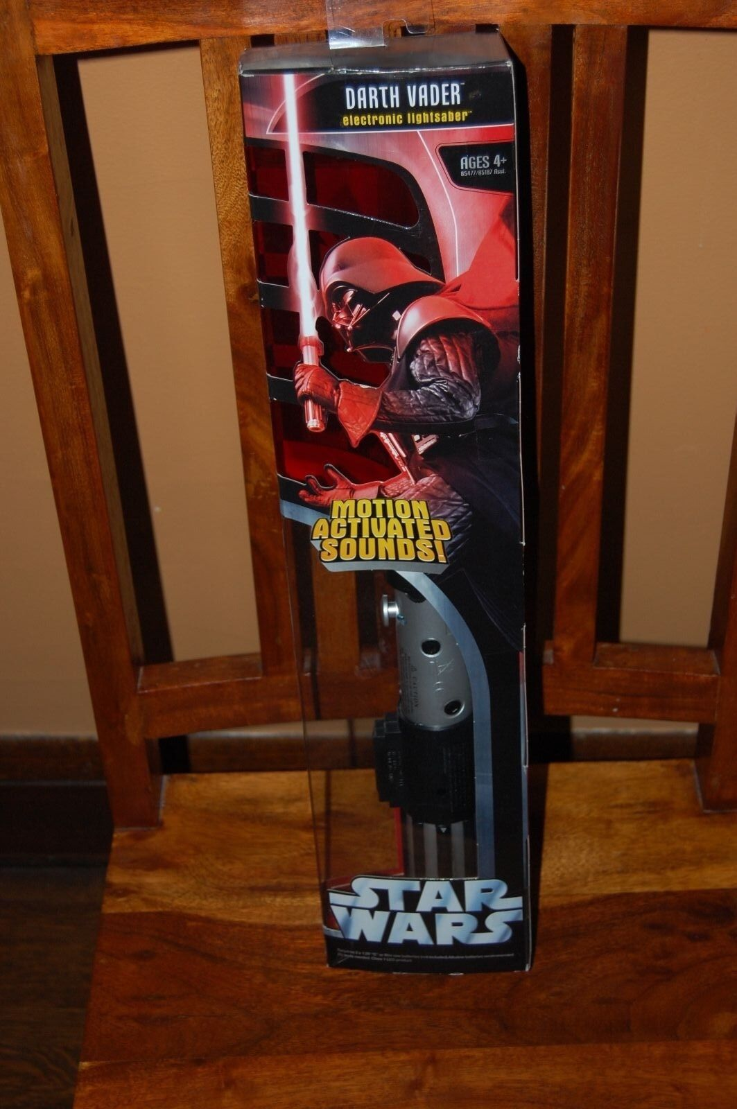 Darth Vader Motion Activated Lightsaber Electronic-Star Wars Hasbro 2005