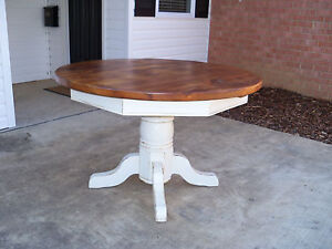 Amish Made Reclaimed Barn Wood 60 Round Pedestal Dining Table