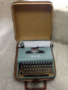 Olivetti Lettera 22 Portable Typewriter with Case