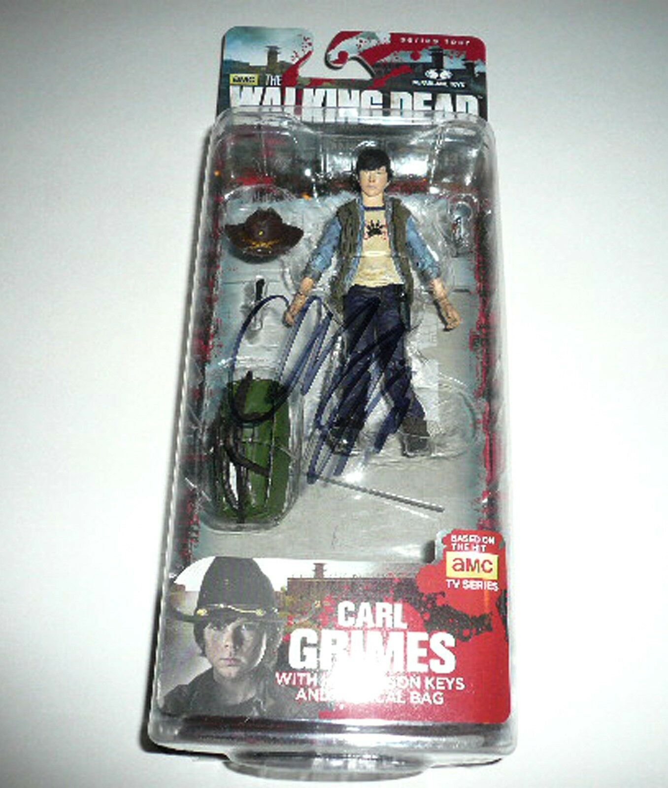McFarlane Toys - Walking Dead - Chandler Riggs/Carl Autographed Series 5 Actio