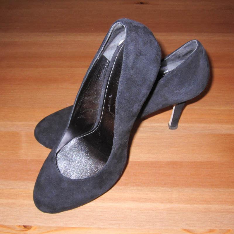 Via Spiga Retro Classic Black Suede Round Toe Pumps Heels Size 7M