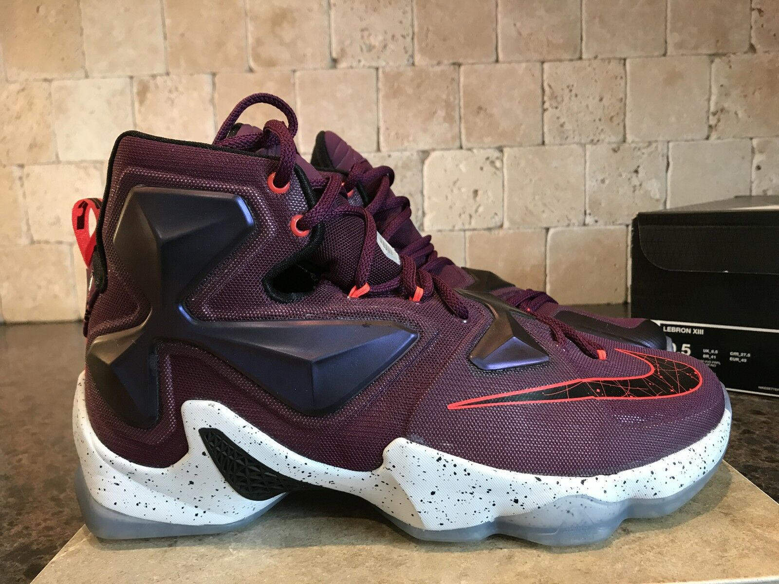 LEBRON XIII SIZE 9.5 MEN'S SNEAKERS AUTHENTIC 2015 MULBERRY WRITTEN IN THE STARS