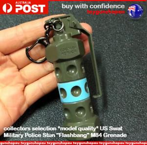 M84-Stun-Grenade-PUBG-Modern-Warfare-US-Police-Swat-Gun-Model-Keychain-Keyring