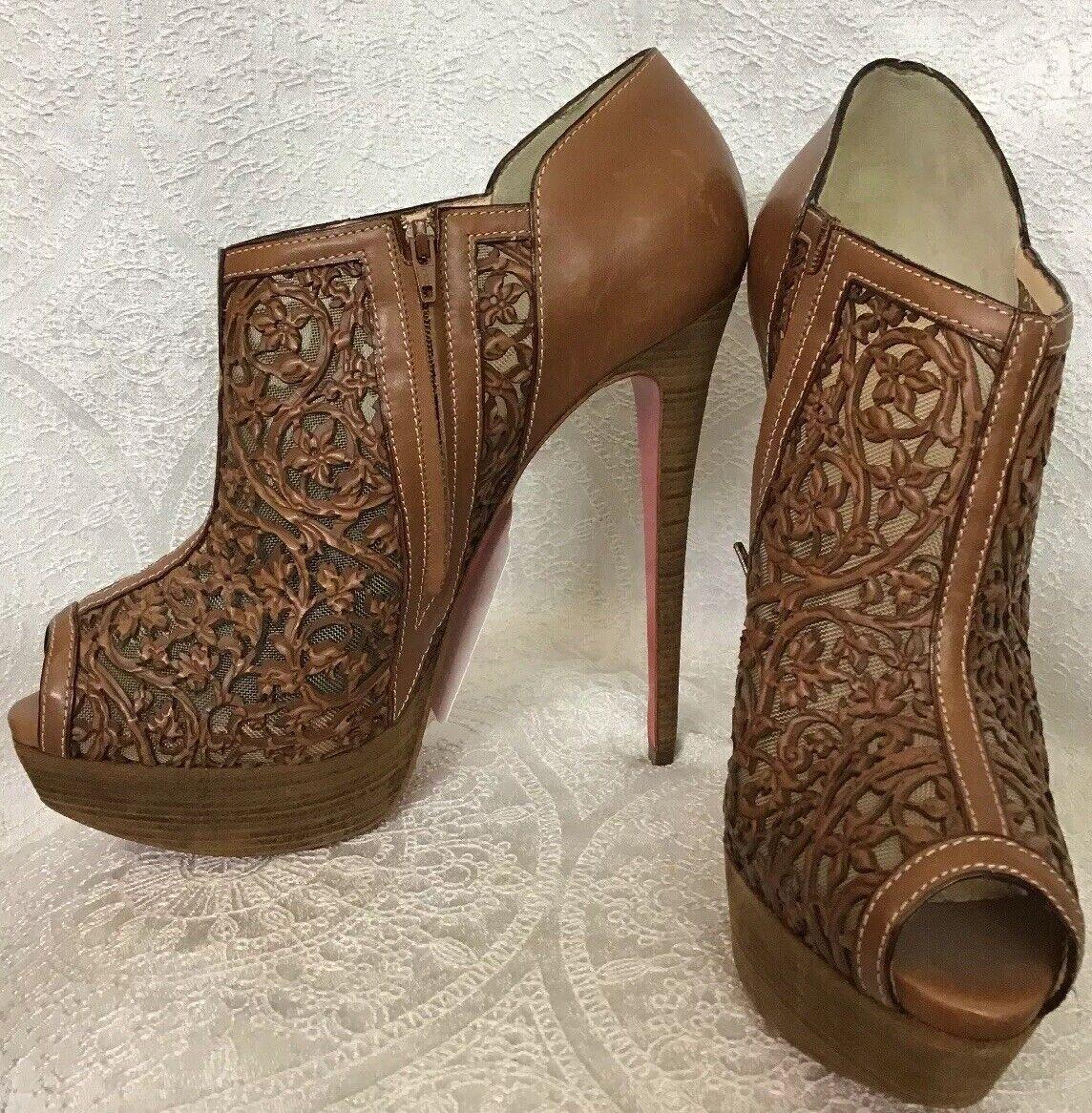 Louboutin scarpe Marronee Floral  Cutout Leather Platform Peep Toe Dimensione 40 1  2 NUOVO  negozio fa acquisti e vendite