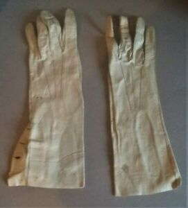 Pair-of-Gloves-of-Woman-Antique-PU-Leather