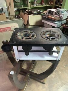 Antique Made In The USA 2 Burner Kerosene Stove Great Camp Patio Or Off The Grid