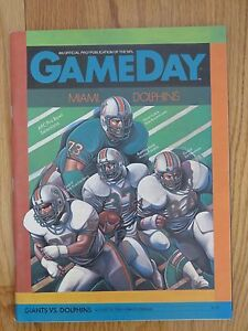 NEW YORK GIANTS vs MIAMI DOLPHINS August 26, 1983 Program DAN MARINO Rookie