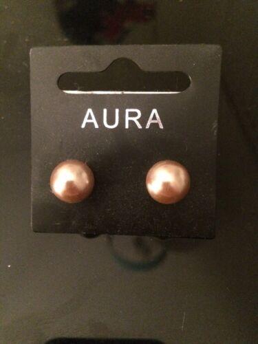 Aura Glass Pearl Gold Medium Stud Earrings