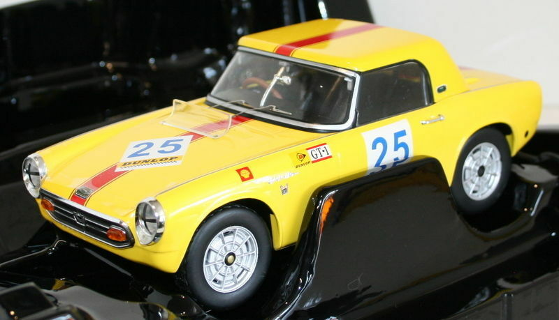 Triple 9 1 18 Escala-Honda S800 Racing Hard Top amarillo Diecast Modelo Coche