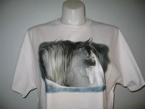 M Cowgirl L or XL T-shirt S Kindness in His Eye Horse Western