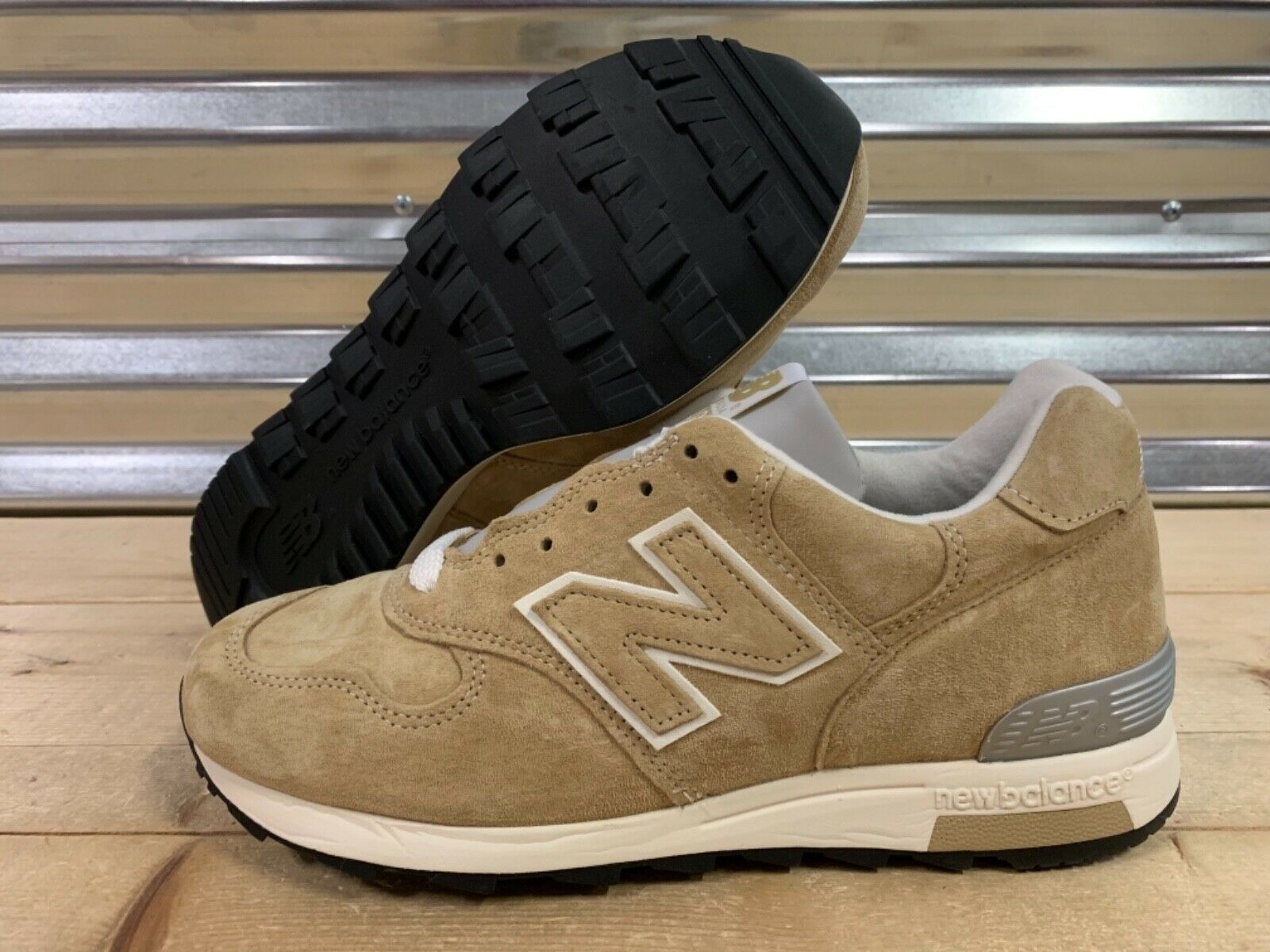 New Balance 1400 Classic Running shoes Beige Khaki Brown Suede USA SZ (M1400BE)