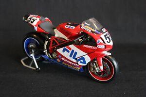 Minichamps-Ducati-999-F04-2004-1-12-55-Regis-Laconi-FRA-AK