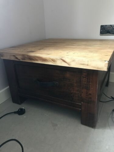 Heavy coffee table With Draw