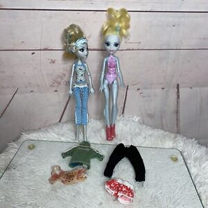 Monster-High-Doll-Lot-Of-Two-Dolls-And-Clothing