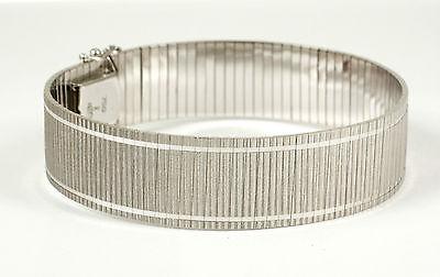Wunderschön: Armband 750 Weißgold mit effektvoller Oberfläche. Gewicht 42,4 Gr.