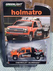 Greenlight-HOBBY-EXCLUSIVE-Chevrolet-Silverado-Holmatro-Safety-Team
