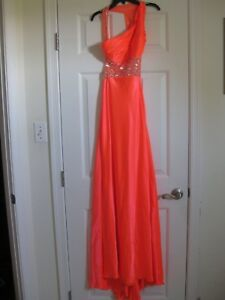 STUNNING-LONG-SHIMMERING-ORANGE-DRESS-GOWN-ALTERED-TO-SIZE-6-WORN-1x
