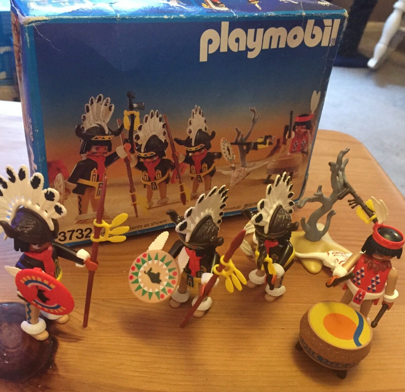 PlayMobil 3732 Indian War party Boxed  Rare Western