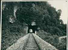 """Indochine, Tunnel creusé en haut """"Histoire Militaire... That Khe""""  Vintage silve"""