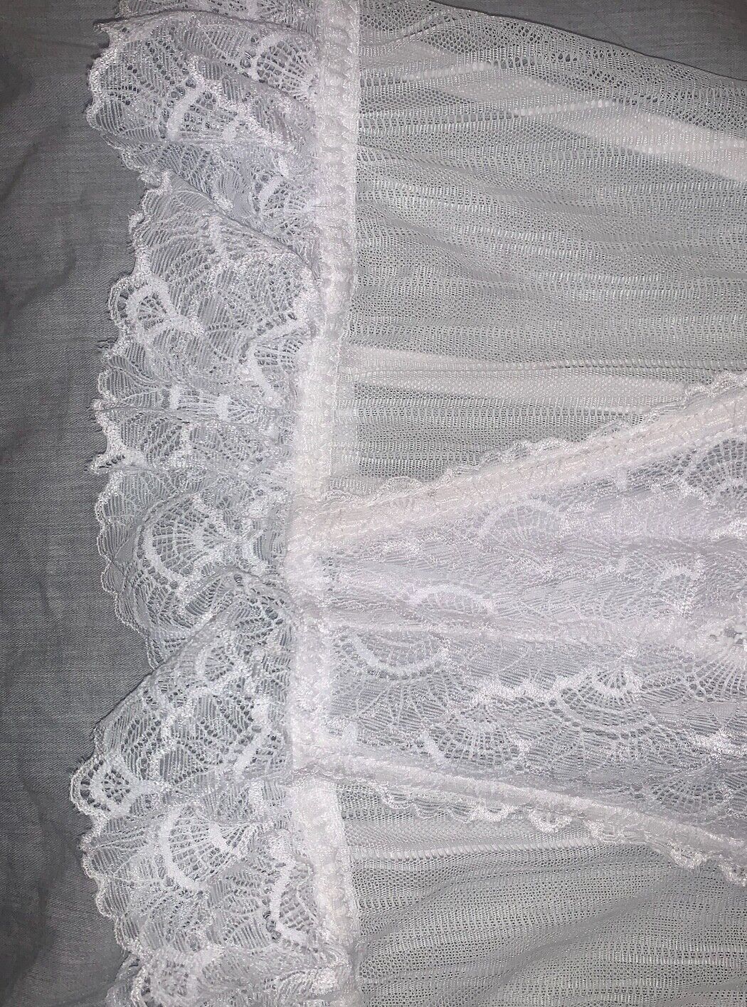 beautiful vintage white lace bustier corset - image 5