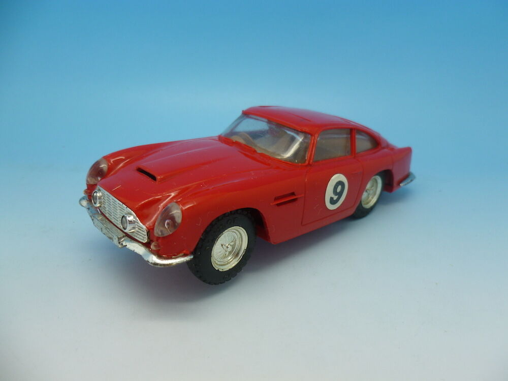 Scalextric C68 Aston in Red with Sunroof