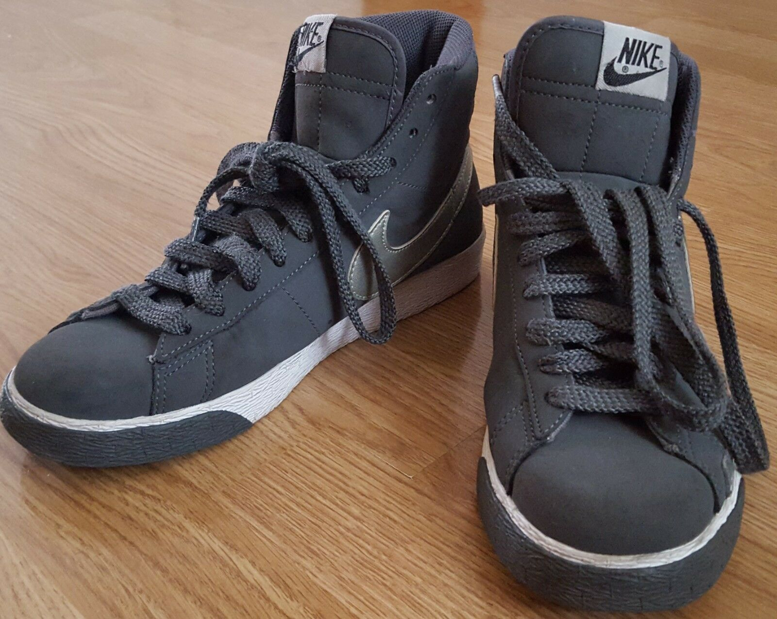 Nike Trainers Boots Ankle Shoes Lace Up Grey Comfortable Seasonal clearance sale