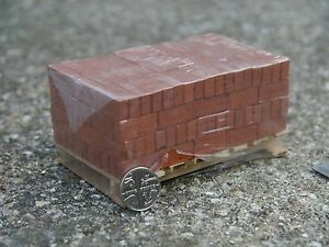 200-REAL-MINIATURE-MODELLING-BRICKS-ON-A-PALLET