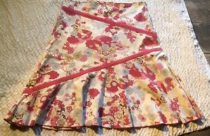 Final Touch boutique  Floral skirt, Womens, Medium, NWT