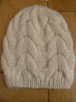 MONSOON ACCESSORIZE SOFT CREAM CHUNKY CABLE OVERSIZED BEANIE HAT ONE SIZE NEW