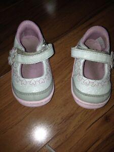 5.5 Striderite Mary jane shoes toddler girl Dark Pink US size 4 5 4.5