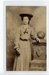 Se549-100-RP-Unknown-RIPON-Girl-Unused-VG-R-Cox-Photographer-Ripon