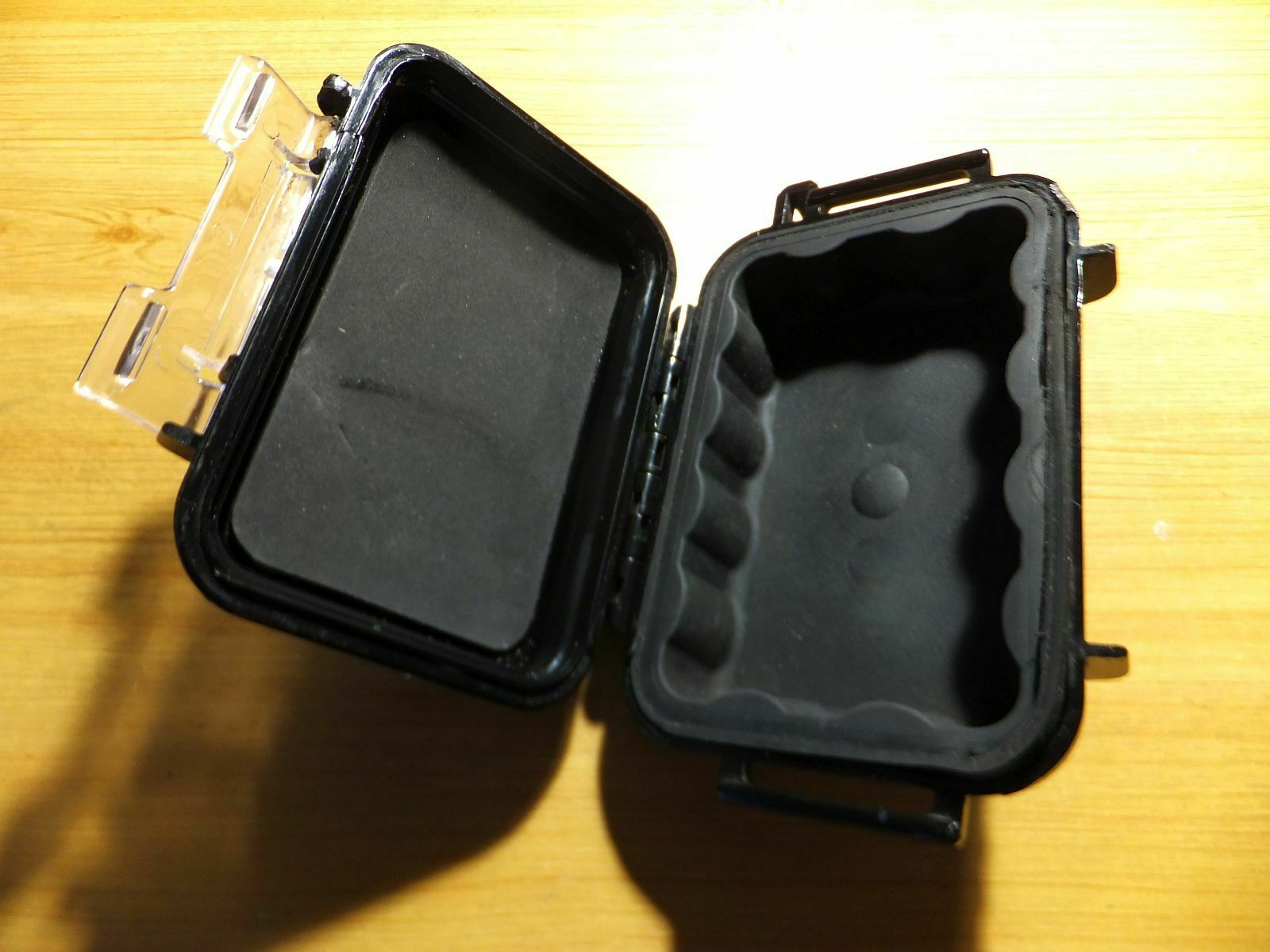 -- Pelican Box Type 1010 Black with 2 Magnets