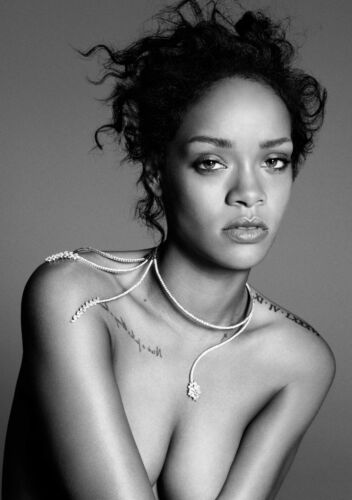 Rihanna Poster Art Print Black /& White in Card or Canvas