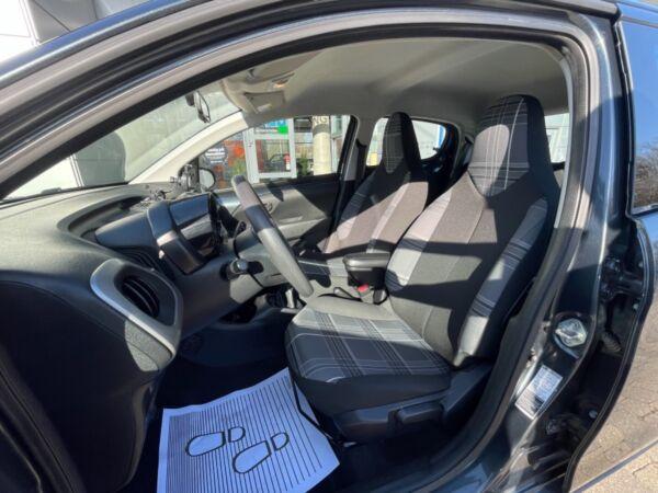 Peugeot 108 1,0 e-VTi 69 Urban billede 3