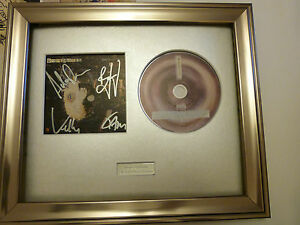 SIGNED-AUTOGRAPHED-STEREOPHONICS-GRAFFITI-ON-THE-TRAIN-FRAMED-PRESENTATION-RARE