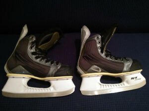 Details about Nike Quest Ice Hockey Skates. Size 4D. Black.