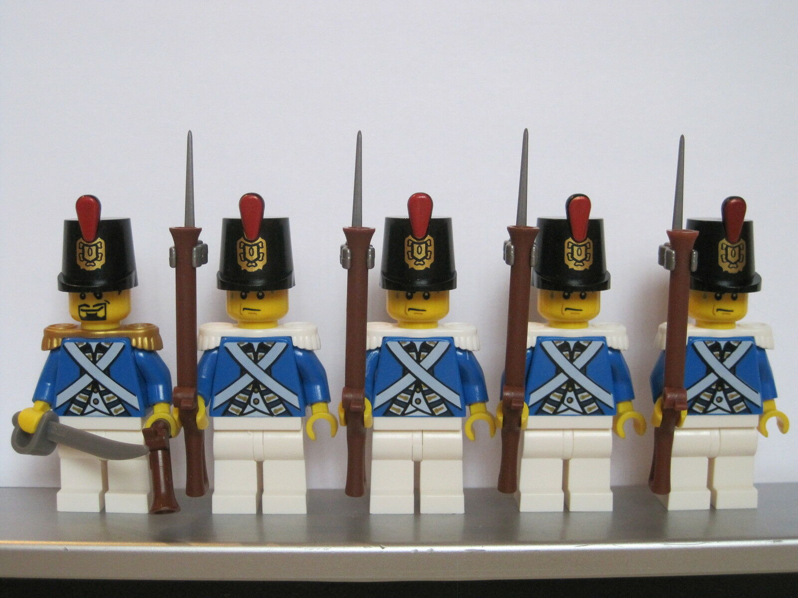 Lego PIRATE Imperial Guard blueECOAT Soldiers Soldiers Soldiers MINIFIGS Musket + Bayonet NEW 3b9b5d