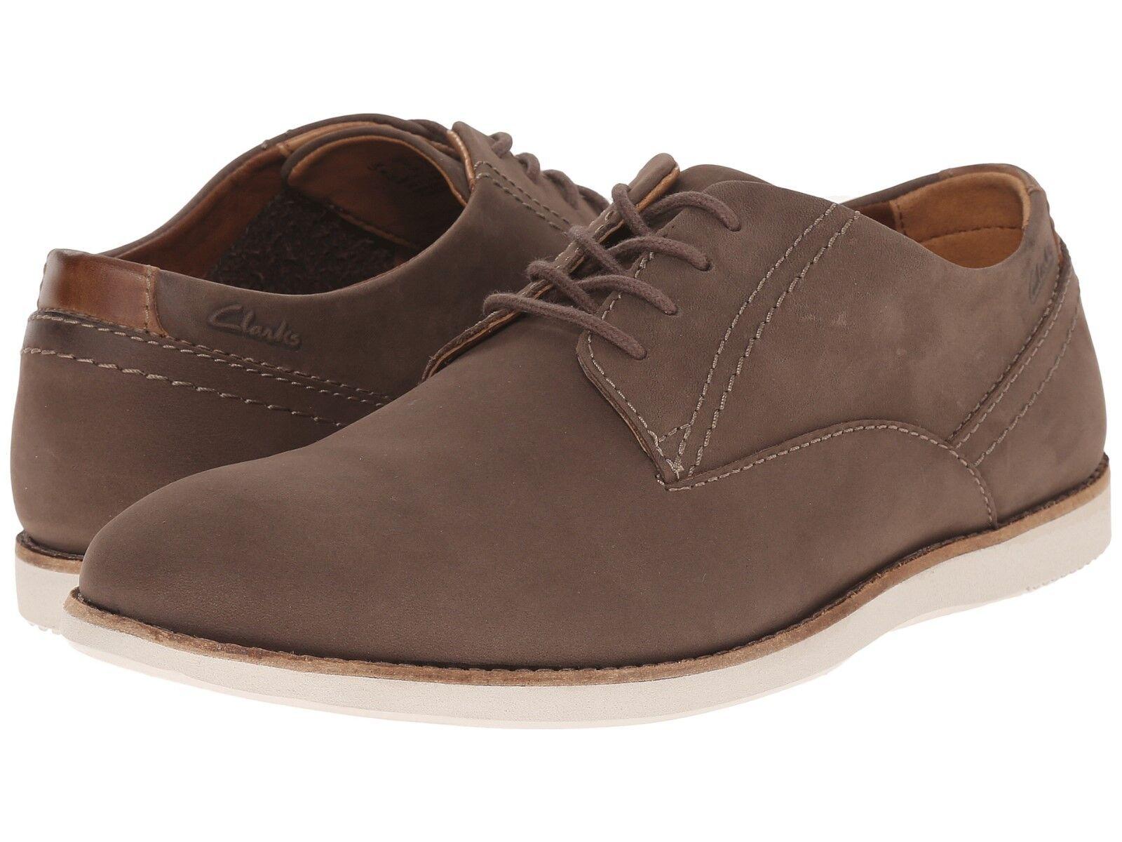Men's Clarks 1825 Franson Plain Buck shoes Brown Nubuck 26114889