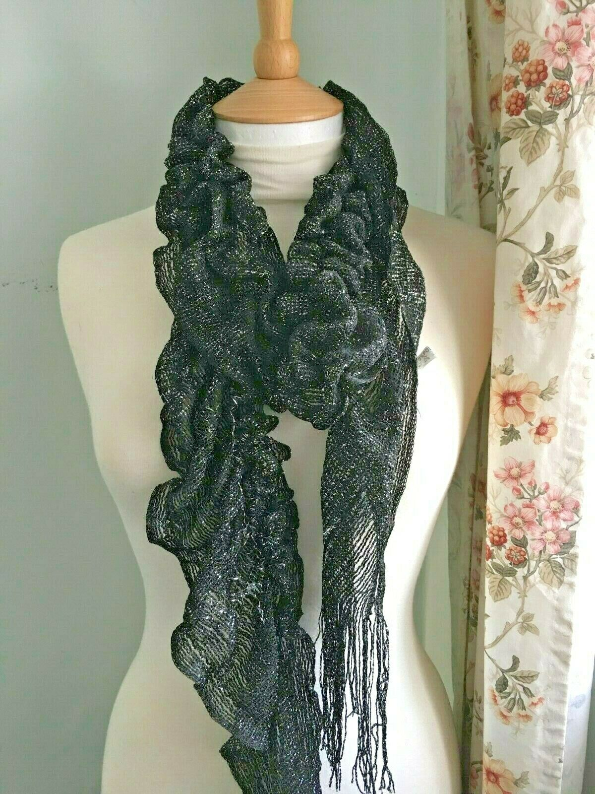 Girls/Women's Long black and silver shimmery lacy curly wurly fashion scarf