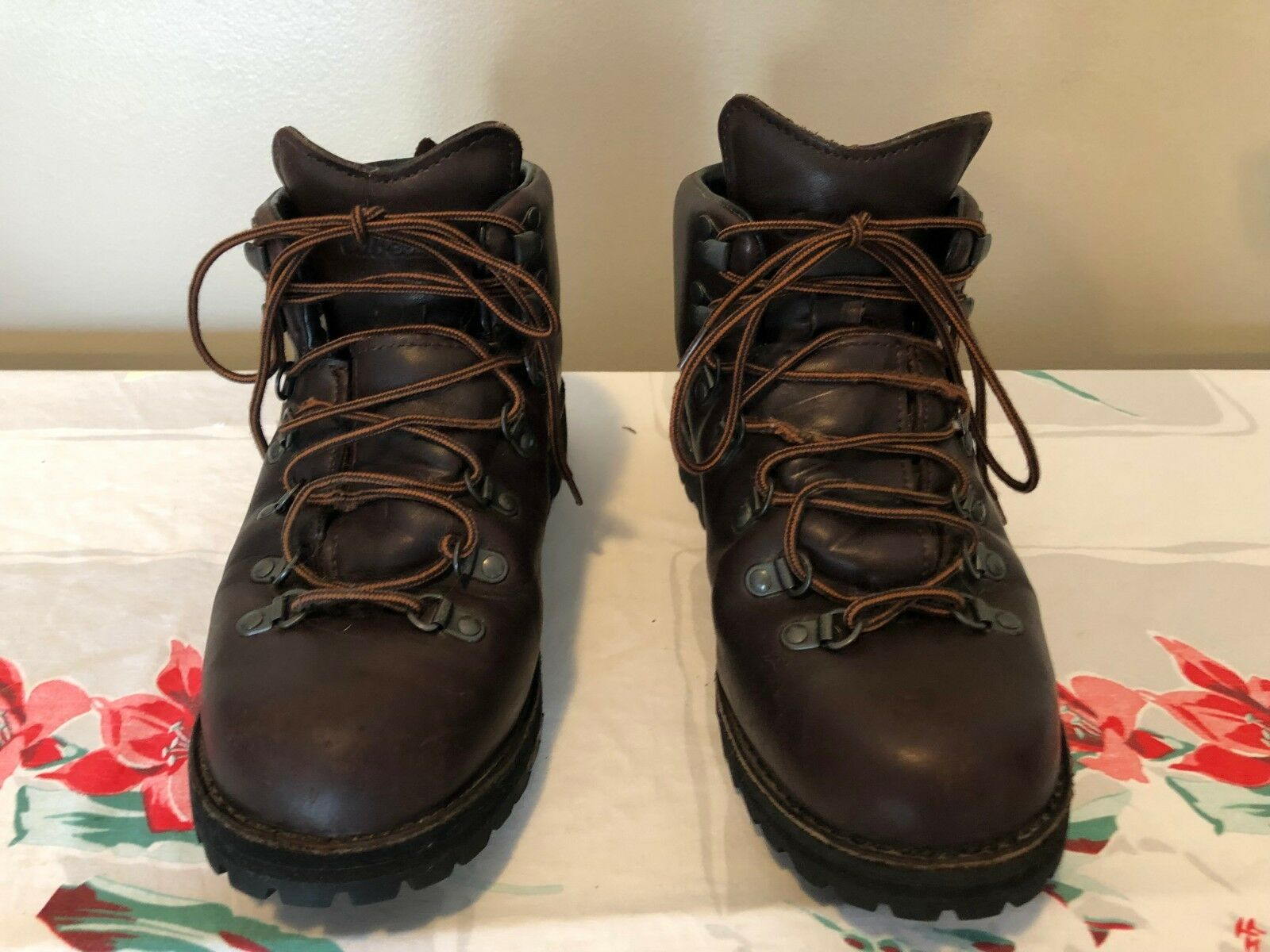 Cabela's Men's Leather Gortex Hiking Boots Size 9.5  EE