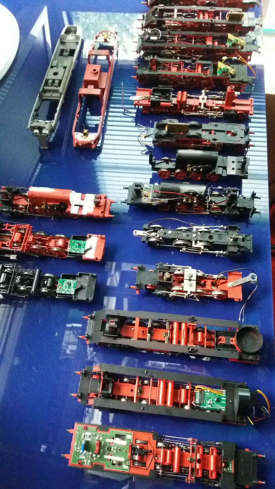 Fleischmann H0-Ersatzteile   Fahrgestelle, teils mit Motor und Schnittstelle