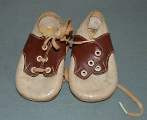 VINTAGE BABY SHOES Brown and White