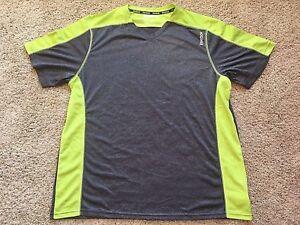 146eae245230 NWT Men s Gray Green Short Sleeve Active V-Neck Reebok Sport T-Shirt ...