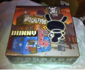 Kidrobot Dunny Boîtier scellé de série , 16 boîtes aveugles -2013 Post Apocalypse Series Sealed Case 16 Blind Boxes -2013